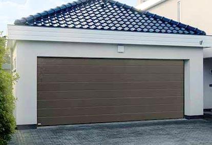 Puertas de aluminio hierro y pvc cerrajer a villalba for Modelos de puertas de garaje