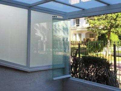 Cortinas de cristal en Puerto Banús