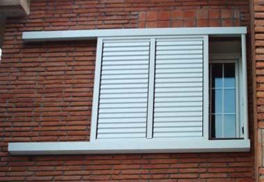 Ventanas de aluminio pvc y hierro cerrajer a villalba for Ventanales mallorquinas