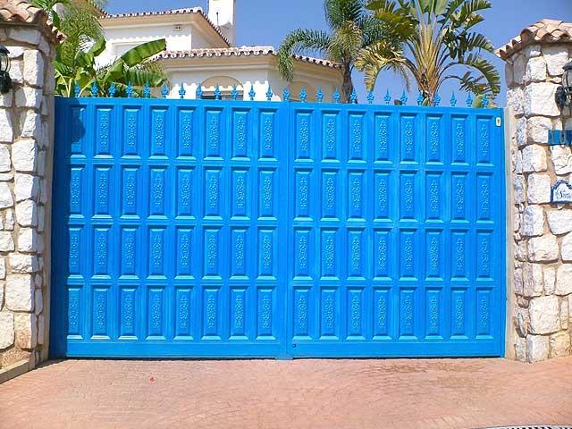 Puertas cancelas de hierro elegant puertas en hierro y - Cancelas de hierro ...